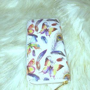 Handbags - NWT tech Butterfly wallet white